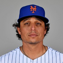 Jason Vargas roughed up in last start of season photo