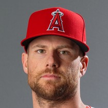 Zack Cozart racks up three hits in Angels' win photo