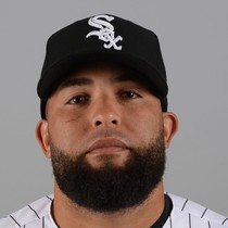 Kelvin Herrera agrees to two-year deal with White Sox photo
