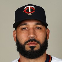 Marwin Gonzalez knocks in Houston's lone run photo