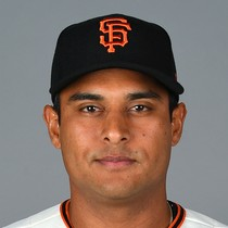 Donovan Solano and Giants agree on contract photo
