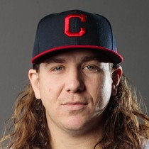Michael Clevinger picks up loss in relief photo
