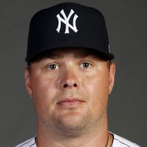 Luke Voit leaves Tuesday's game early photo