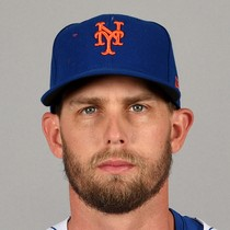 Jeff McNeil remains red hot at the plate photo