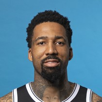 Wilson Chandler cools off Friday night photo