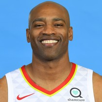 Vince Carter scores 11 points on Tuesday photo
