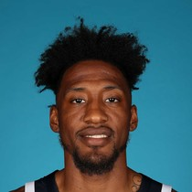 Robert Covington scores 9 against the Bulls photo