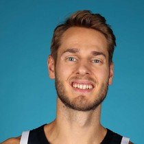 Jake Layman struggles in start against the Pistons photo