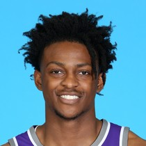 De'Aaron Fox finishes with a team-high 23 points photo