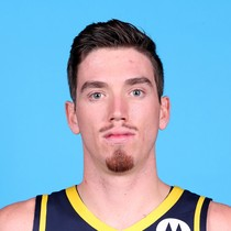 T.J. Leaf leads Pacers in victory over the Hawks photo