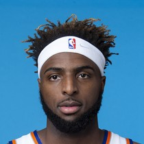 Mitchell Robinson scores 11 points in season finale loss to the Pistons photo