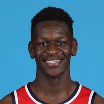 Isaac Bonga plays 12 minutes, perfect in shooting photo