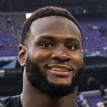 Latavius Murray shut down by Panthers photo
