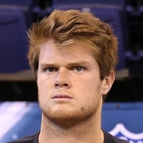 San Darnold will start Week 14 photo