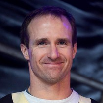 Drew Brees says he will not test free agency photo