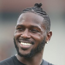 Antonio Brown hopes to meet with NFL teams at Combine