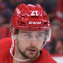 Tomas Tatar with goal and assist in win photo