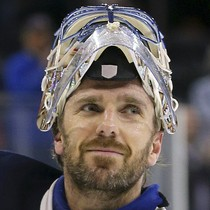 Henrik Lundqvist's 40 saves were not enough in loss to Canucks Sunday photo