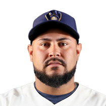 Omar Narvaez inks one-year deal with Brewers photo