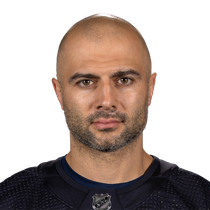 Mark Giordano records goal and assist in road win vs Montreal photo