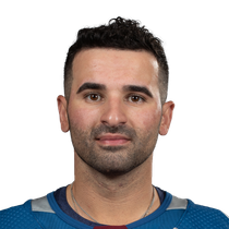 Kadri buries two in rout of Coyotes photo