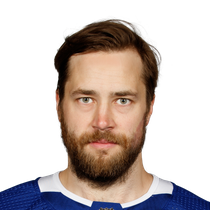 Victor Hedman registers two points photo