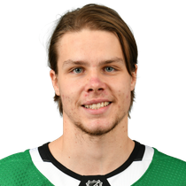 Miro Heiskanen with an assist in win over Avalanche photo